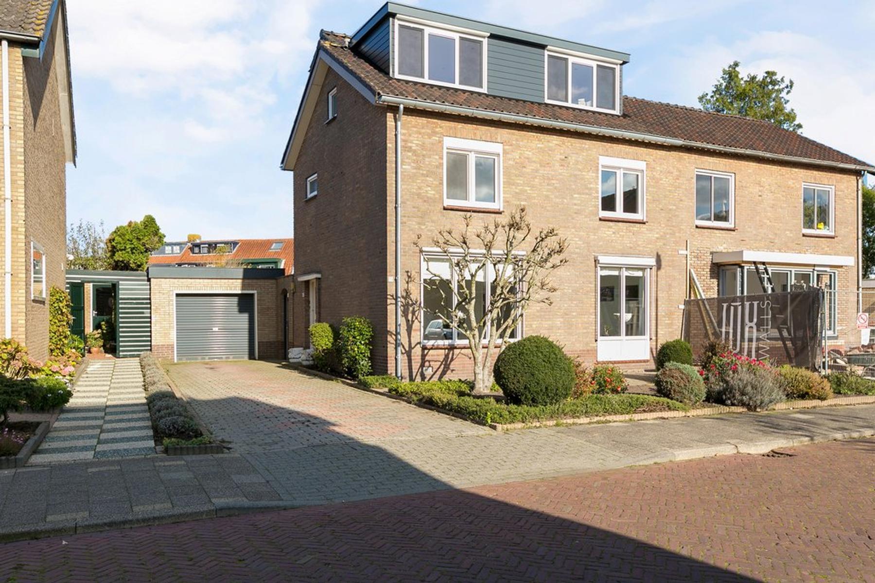 Schoolstraat 15 in Bunschoten-Spakenburg 3751 EK