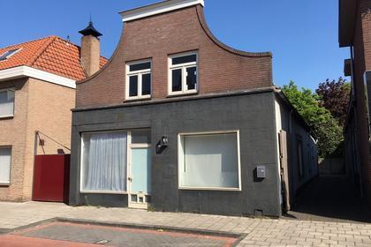 Grotestraat 363 in Waalwijk 5142 CB