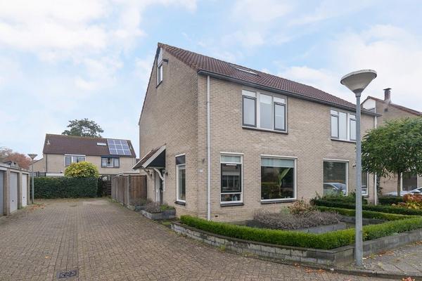 Toon Slurinkhof 23 in Kampen 8264 DE