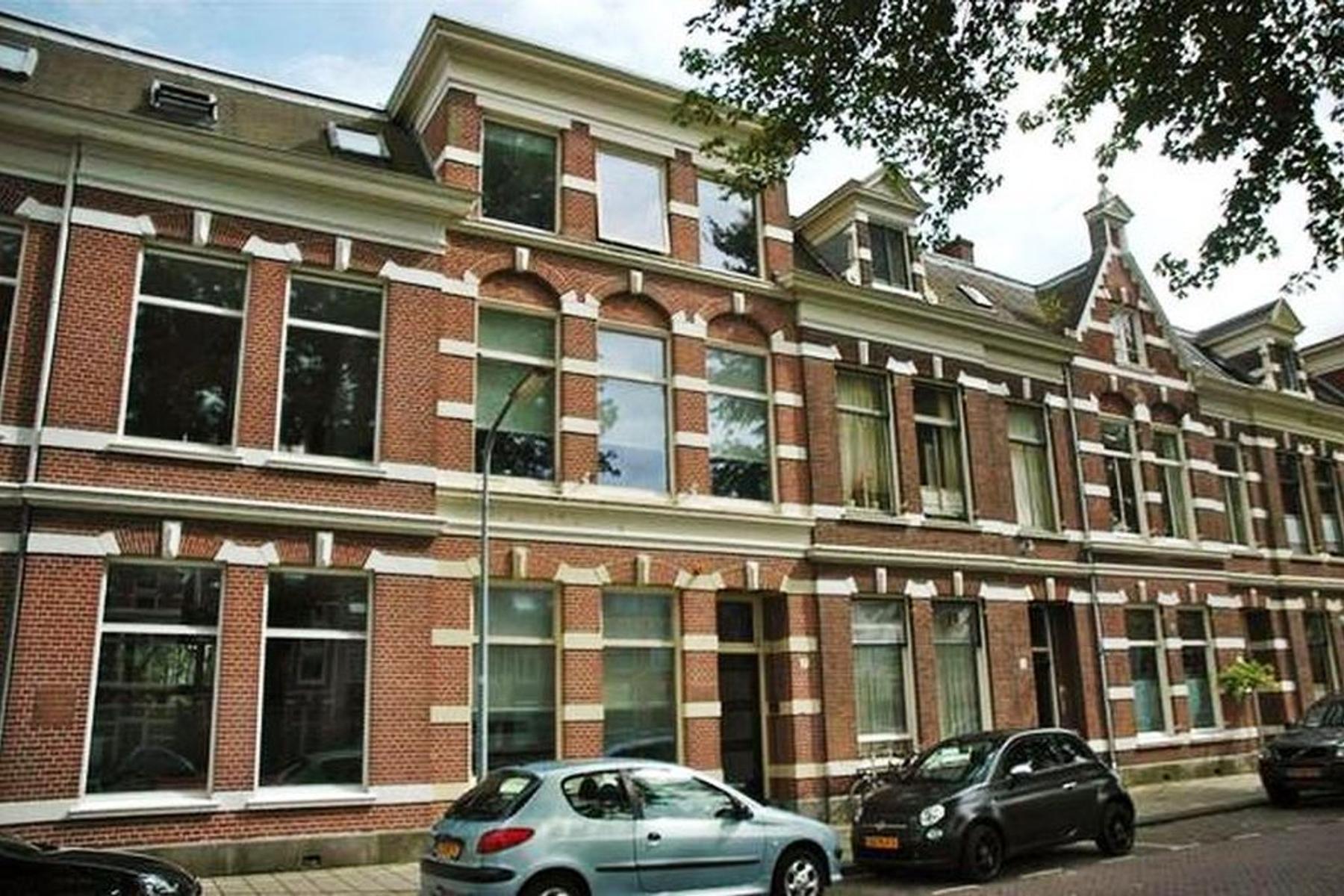 Oranjekade 7 in Haarlem 2011 VC