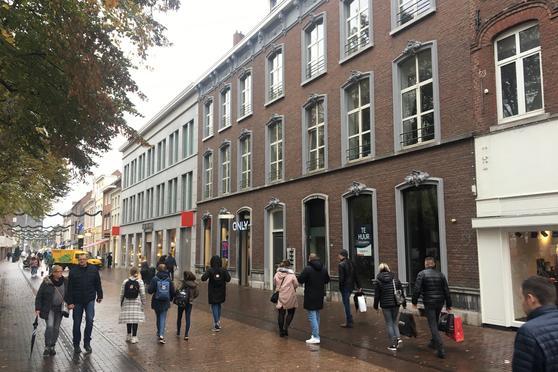 Munsterplein 2 in Roermond 6041 HD