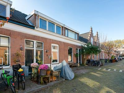 Hof De Vriendschap 33 in Dordrecht 3312 EJ