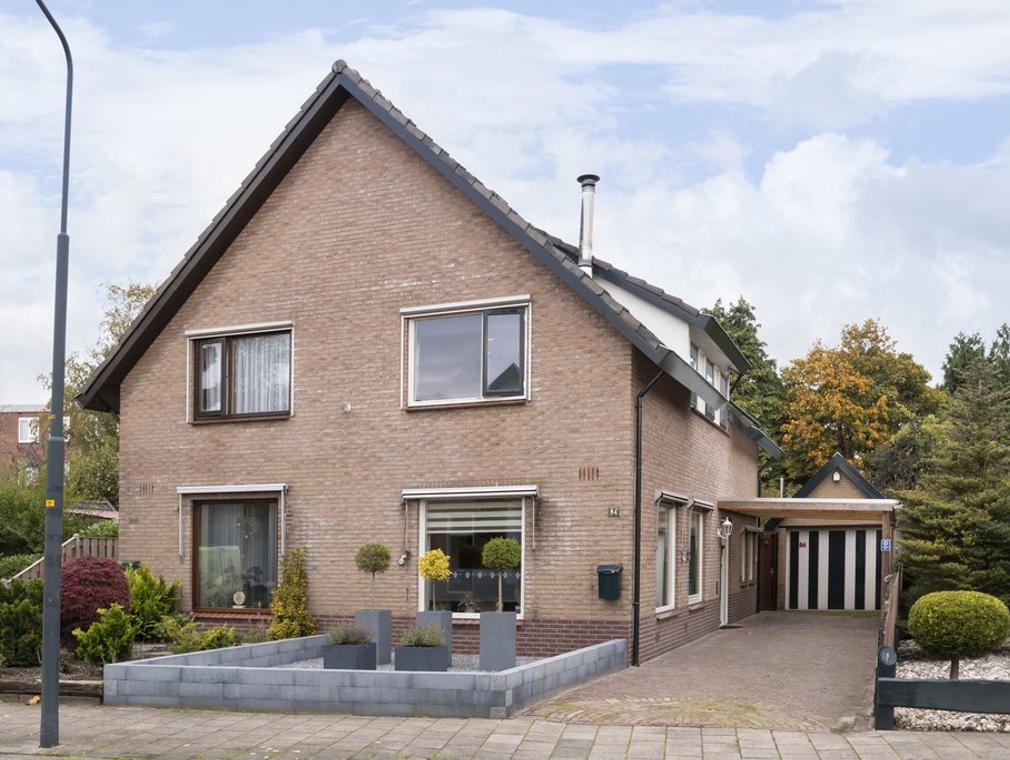 Schotweg 84 in Apeldoorn 7312 AD