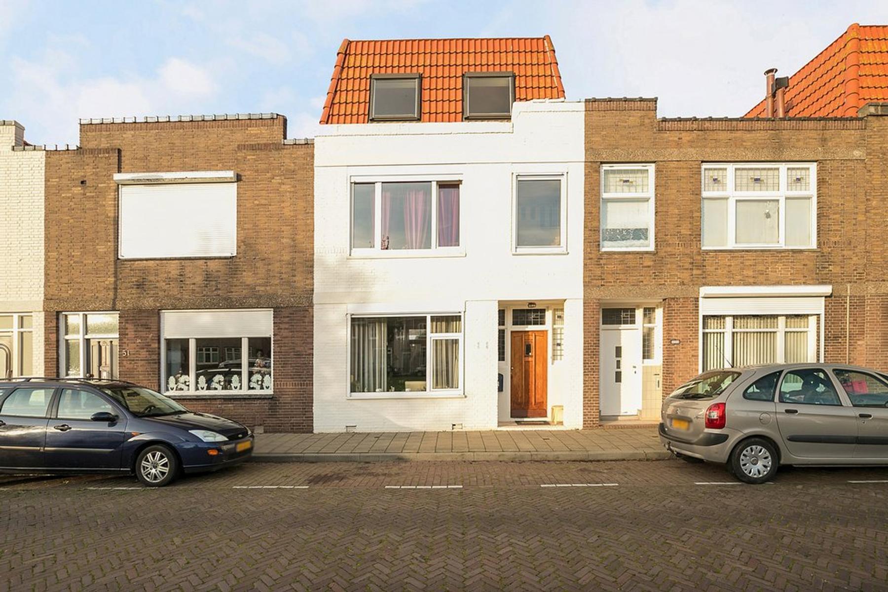 Van De Spiegelstraat 53 in Vlissingen 4381 VC