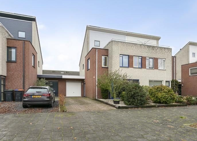 Oudenboschstraat 11 in Tilburg 5045 SX
