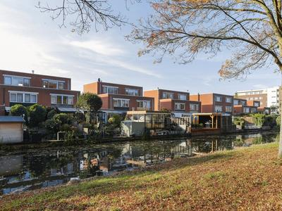 Lokkertsemolenweg 318 in Hoogvliet Rotterdam 3194 WC