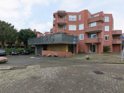 Cauberg 131 in Capelle Aan Den IJssel 2905 PA