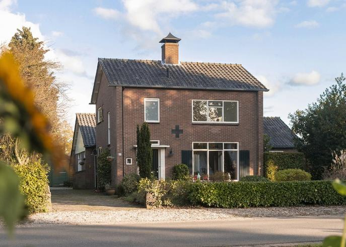 Apeldoornseweg 12 A in Hoenderloo 7351 AA