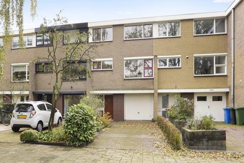 A.M. De Jonglaan 37 in Delft 2624 LB