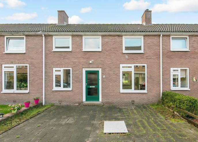 Otto Doornenbalweg 16 in Maartensdijk 3738 CW
