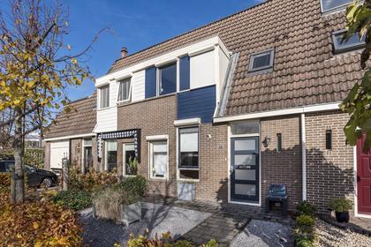 Volendamstraat 101 in Emmeloord 8304 CE
