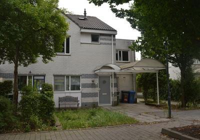 Dr. A. Vondelingstraat 12 in Gorinchem 4207 NH