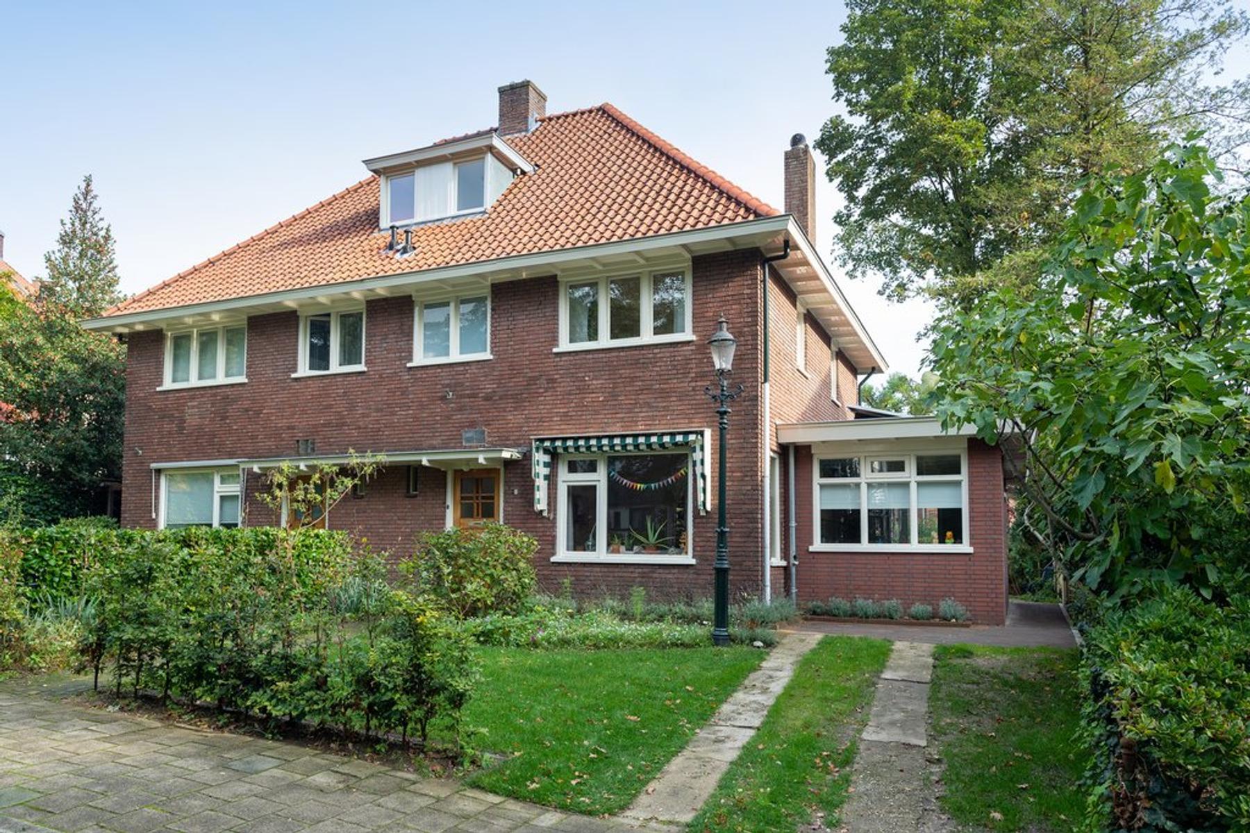 Dillenburglaan 8 in Velp 6881 NV