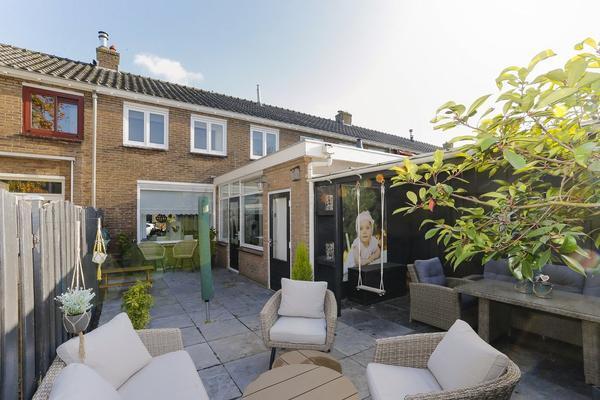 Lindenlaan 16 in Schiedam 3121 AJ