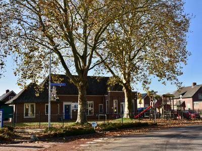 Vredesplein 6 in Oosterhout 6678 AD