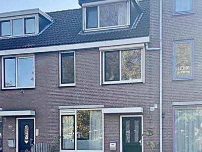 Klepperman 142 in Alphen Aan Den Rijn 2401 GL