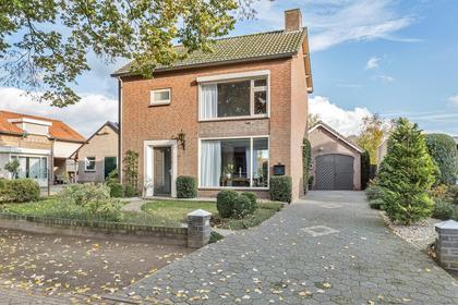 Zanddijk 40 in Escharen 5364 PX
