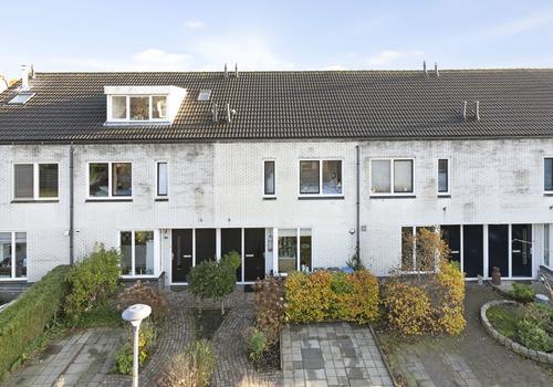 M Van Zwaanenburghstraat 76 in Zwolle 8017 DV