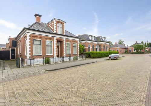 Oosterstationsstraat 4 in Uithuizen 9981 CE