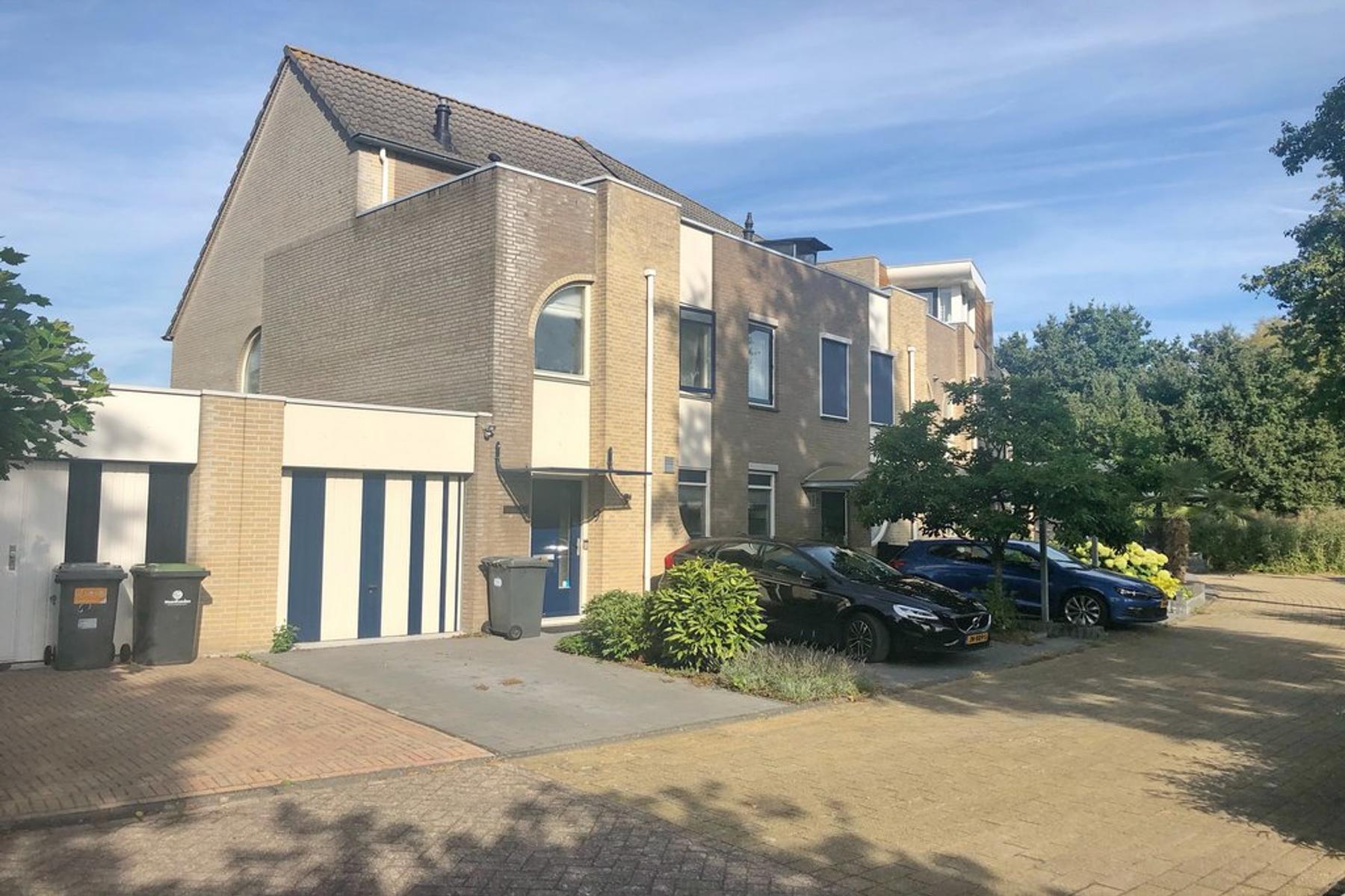 Eduard Du Perronplein 9 in Gorinchem 4207 PS