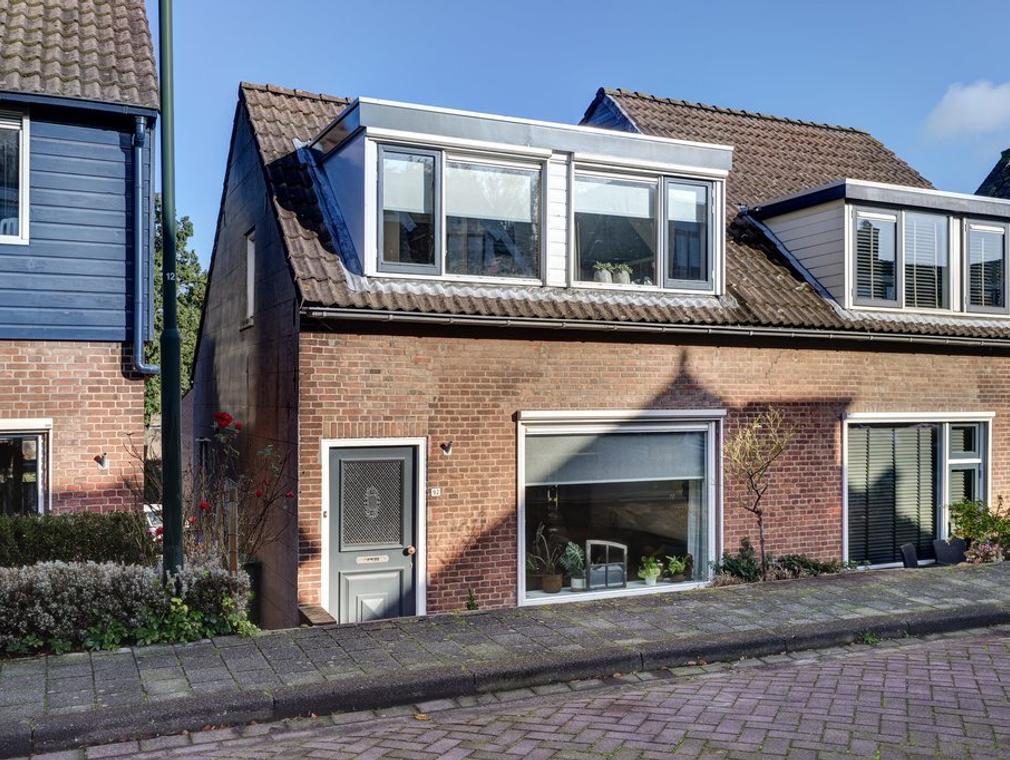 Peulenstraat-Zuid 92 in Hardinxveld-Giessendam 3371 AR