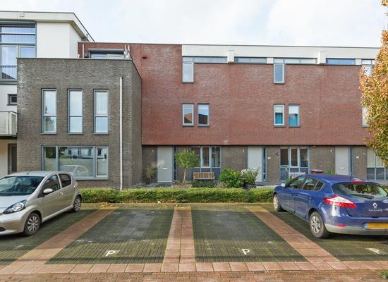Kooikerstraat 28 in Alphen Aan Den Rijn 2408 SN