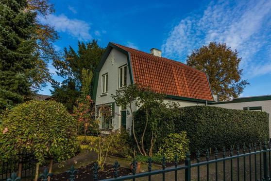 Versteeghlaan 2 in Soesterberg 3769 BN