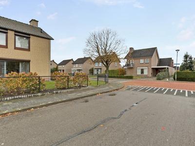 Lindanusstraat 2 in Helden 5988 AV