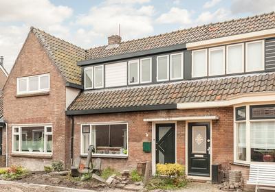 Pastoor Gielenstraat 32 in Lutjebroek 1614 LN