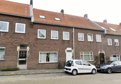 Hamerstraat 89 in Heerlen 6411 CV