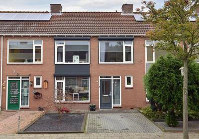 Sint Ontcommerstraat 33 in Steenbergen 4651 CP
