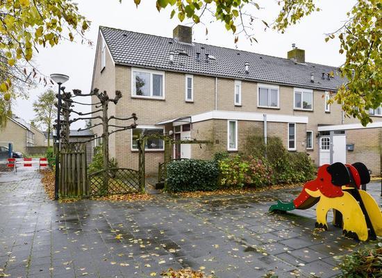 Wethouder Van Damlaan 13 in Wilnis 3648 XL