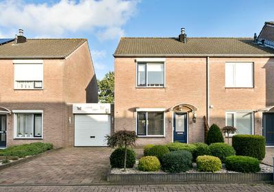Dubbelberg 37 in Roosendaal 4708 DH