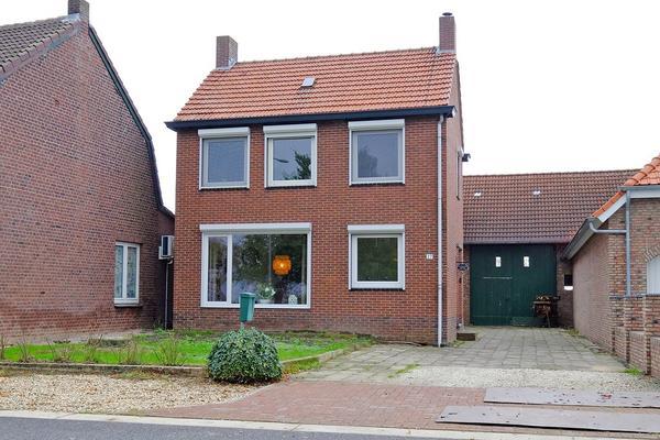 Kapelaan Verdonschotstraat 27 in Koningsbosch 6104 BL