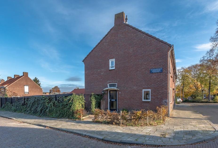 Van Dolhoffstraat 2 in Venlo 5922 TR