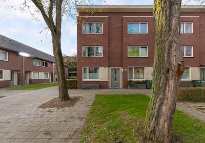 Zierikzeestraat 35 B in Rotterdam 3086 PG