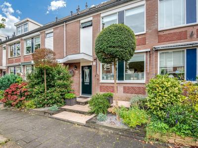 Koolwijk 10 in Hendrik-Ido-Ambacht 3343 RB