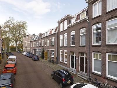 Van Eckstraat 25 in Arnhem 6814 HV