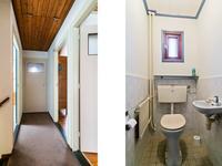 Indeling 1e verdieping:<BR>Overloop met vloerbedekking. De overloop geeft toegang tot de 3 slaapkamers, een afzonderlijk toilet, badkamer en de toegang naar de zolder middels een luik met vlizotrap. <BR>De slaapkamers zijn alle voorzien van een houten vloer, houten wanden en een houten schroten plafond. <BR>De geheel betegelde badkamer is voorzien van vloerverwarming, wastafel en whirlpool.