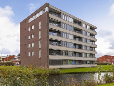 Lokkertsemolenweg 214 in Hoogvliet Rotterdam 3194 WC