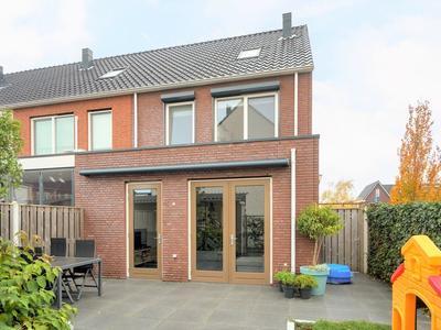 Martien Coppensstraat 18 in Waalwijk 5146 DJ