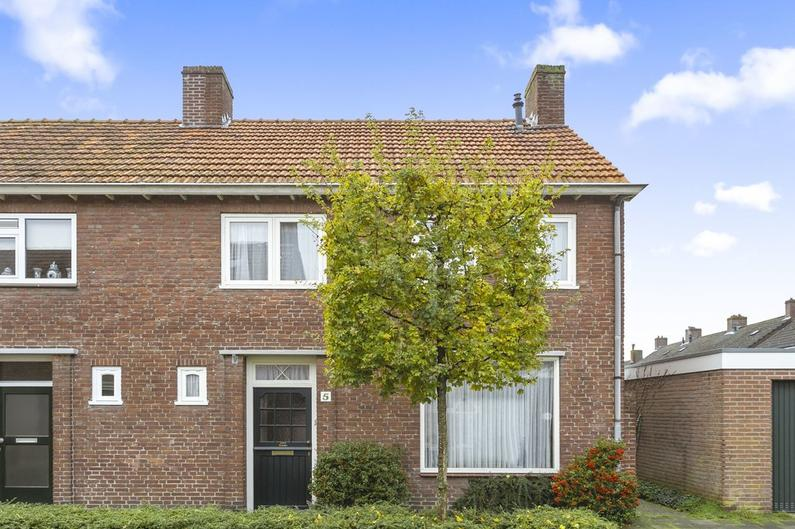 Pastoor De Witstraat 5 in Oisterwijk 5061 CP