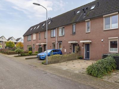 De Pol 17 in Doesburg 6983 EA