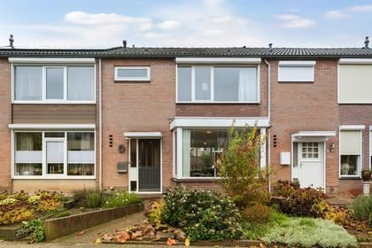 Prinses Beatrixstraat 3 in Millingen Aan De Rijn 6566 BT