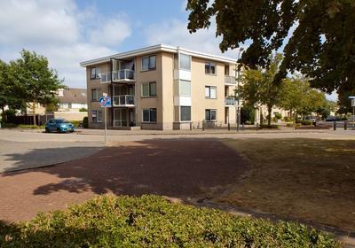 Dijkstraat-West 120 in Veenendaal 3906 WR