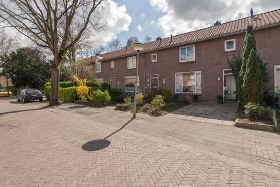 Kolonel Van Brienenstraat 10 in Naarden 1411 TJ