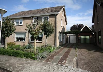 Barend Lemansstraat 7 in Vriezenveen 7671 BH