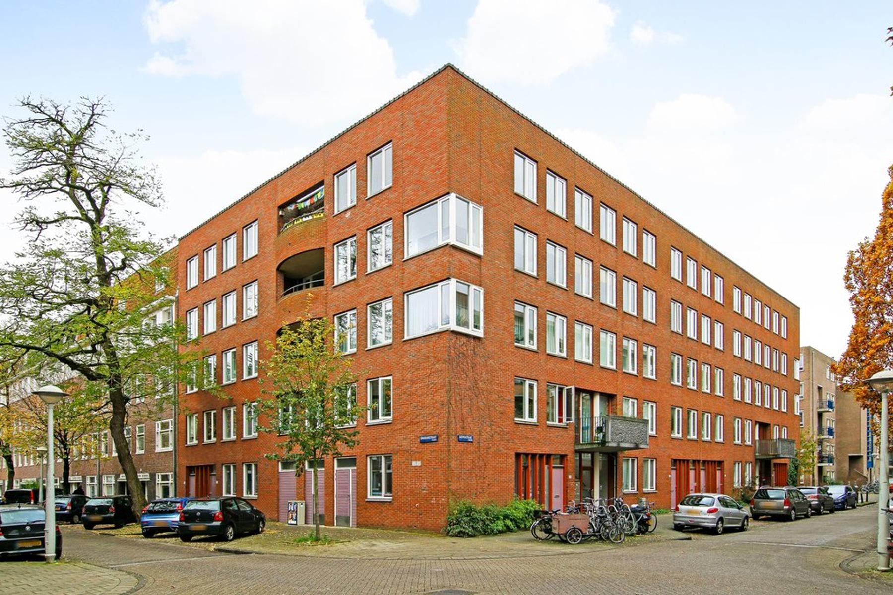 Bataviastraat 46 B in Amsterdam 1095 EV