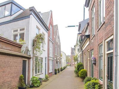 Papentorenvest 8 in Haarlem 2011 AV