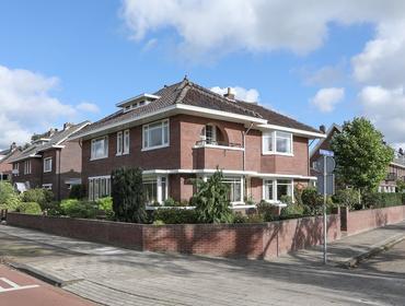 Koningin Julianalaan 1 in Uithoorn 1421 AG